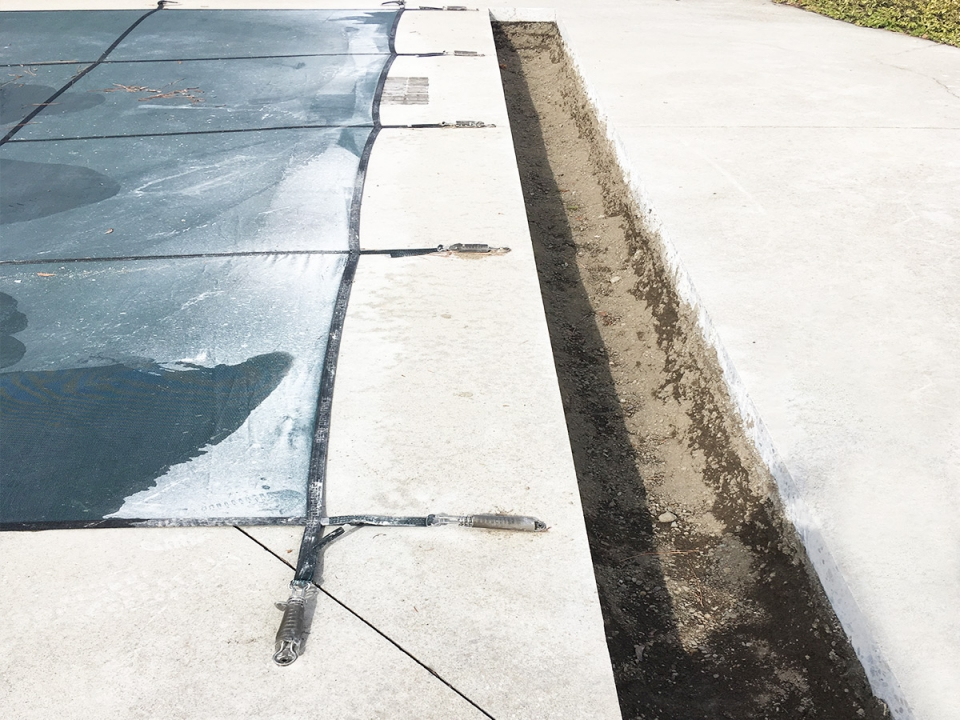 automatic-pool-cover-recessed-housing-2