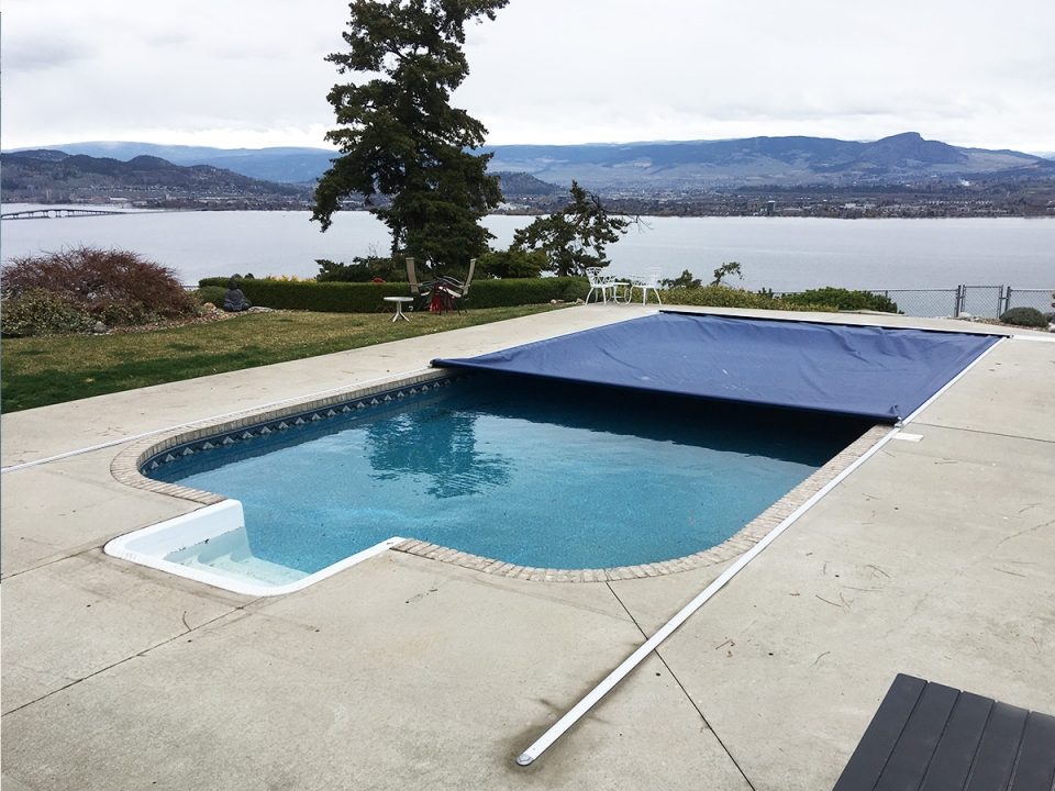 automatic-pool-cover-recessed-mechanism